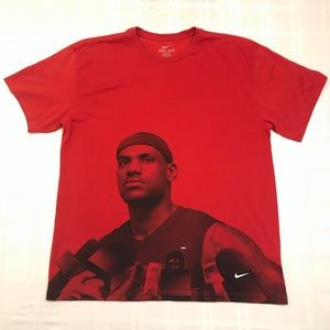 Nike Dry-Fit T Shirt Lebron James Red Size XL 2010
